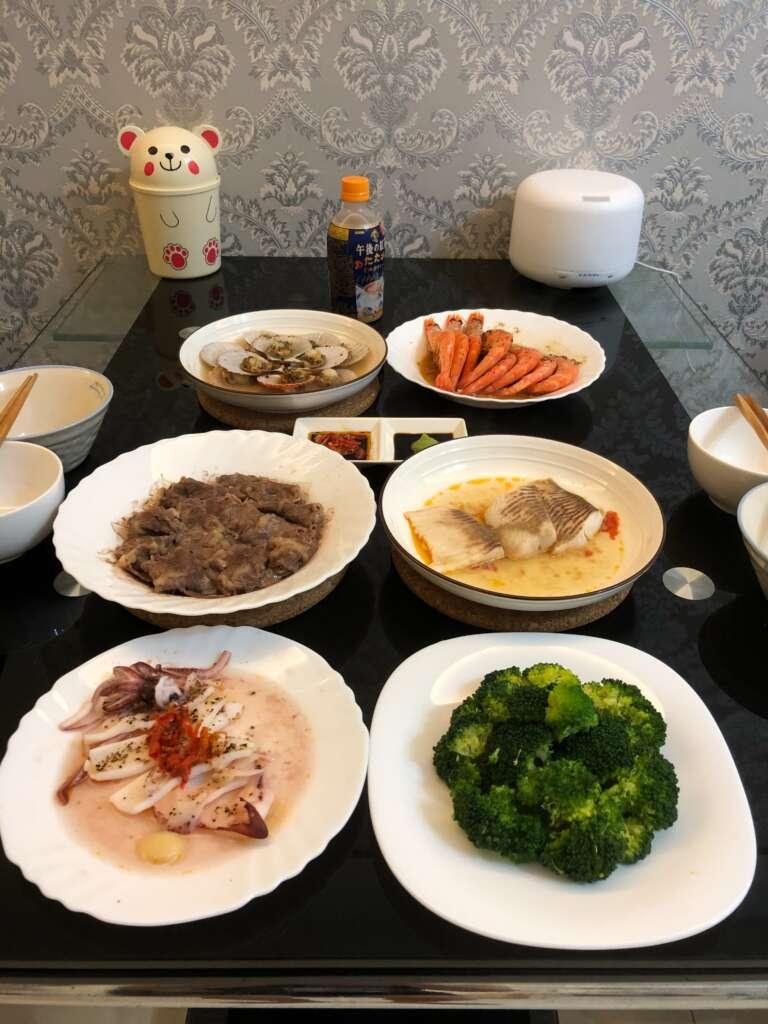 川牛木石亭桃園龍潭店加盟主阿傑,時常利用假日空擋時間煮菜給家人吃